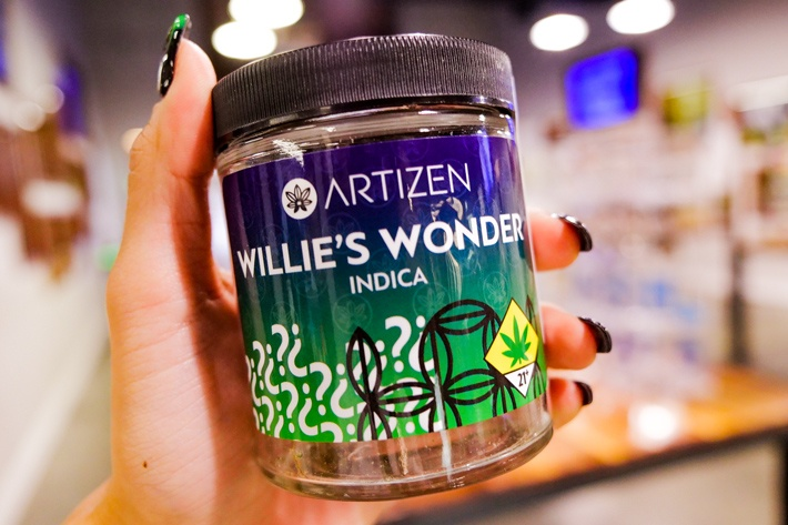 Quarter of Willie's Wonder by Artizen Cannabis Company