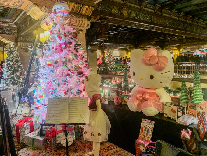 Hello Kitty tree of elegance