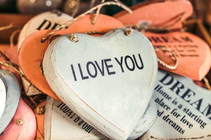 """I love you"" heart tag"